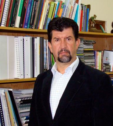 Dr. Alfonso Iracheta.