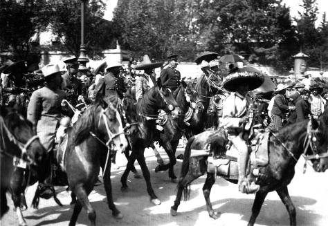 A 239 Entrada de Villa y Zapata (06-XII-1914)