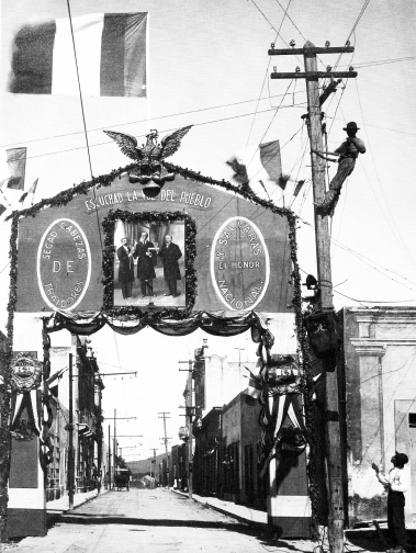 A 256 Arco triunfal, Monterrey, N.L. (1914)