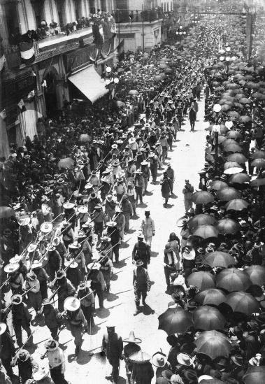 A_249_Entrada_constitucionalistas_a_México_(1914)