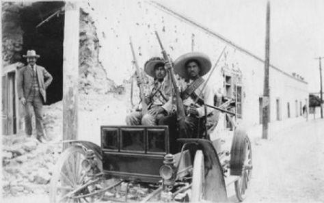 Revolucionarios en automóvil 1911